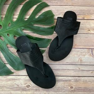 Eileen Fisher black leather t-strap sandals